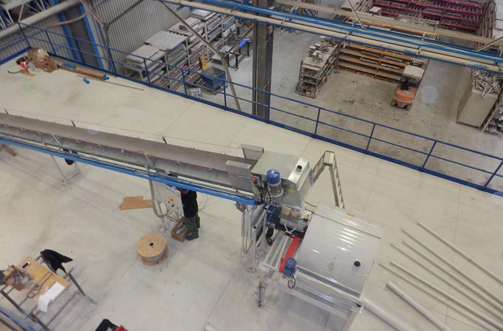 Impianti elettrici su nastri trasformatori di materie prime